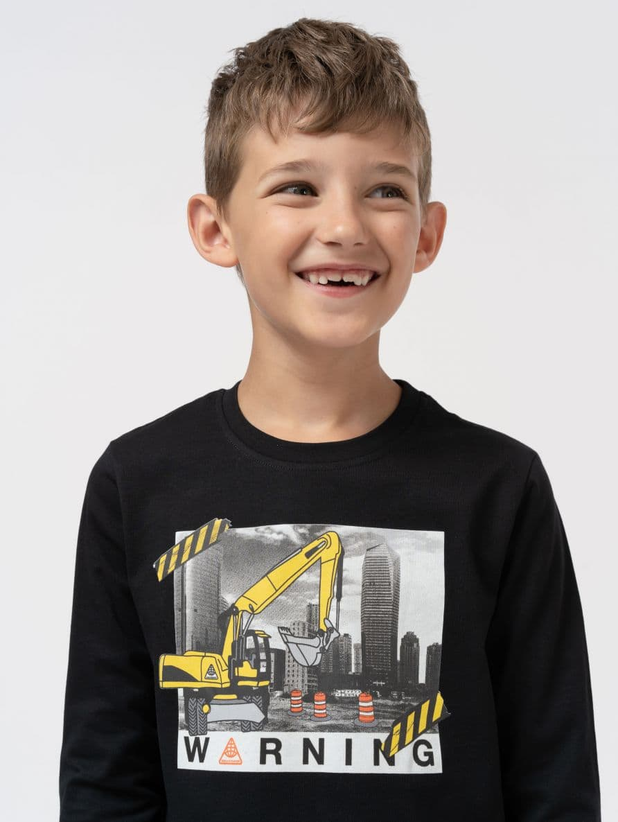 t-shirt with print on front