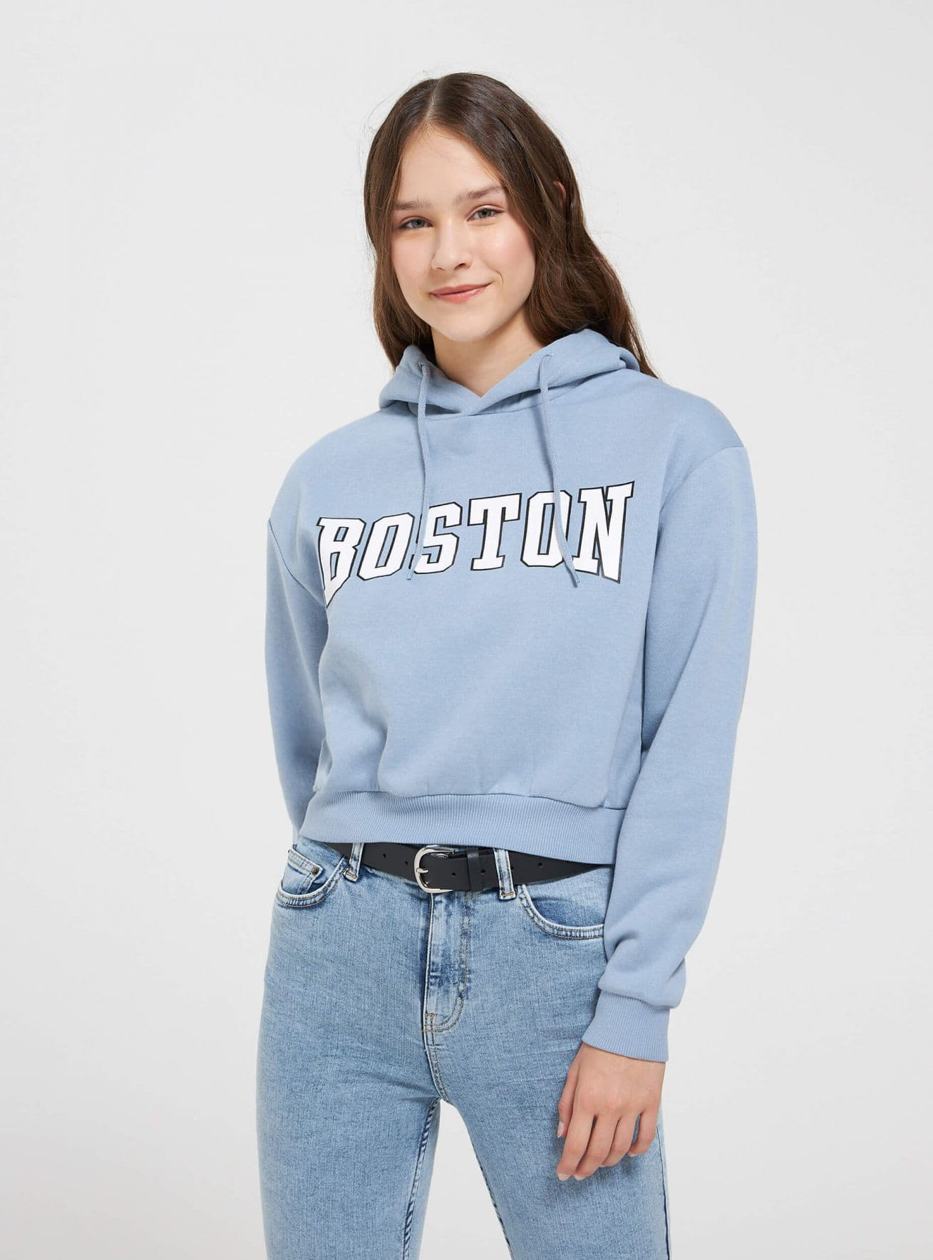 Bauchfreies Sweatshirt im College-Stil mit Kapuze