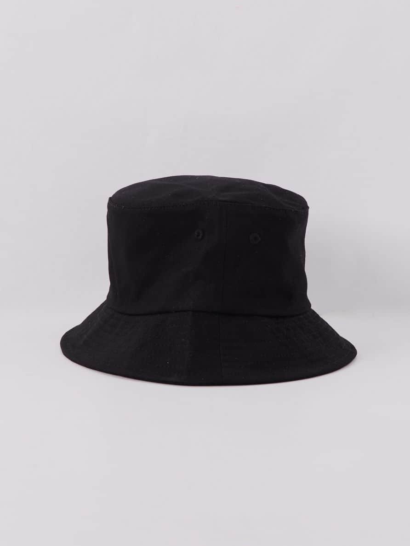 Small-Hat Woman Terranova