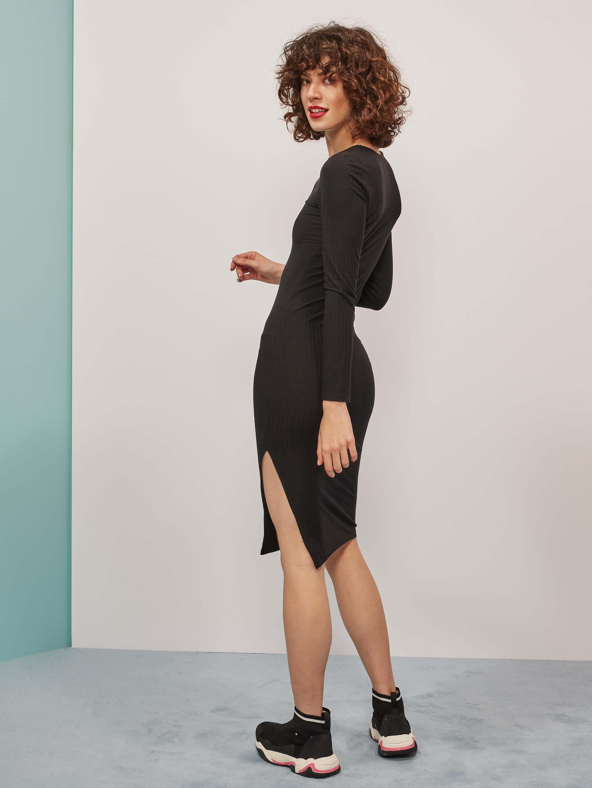 schwarz bodydress-kleid, mit schlitz | terranova