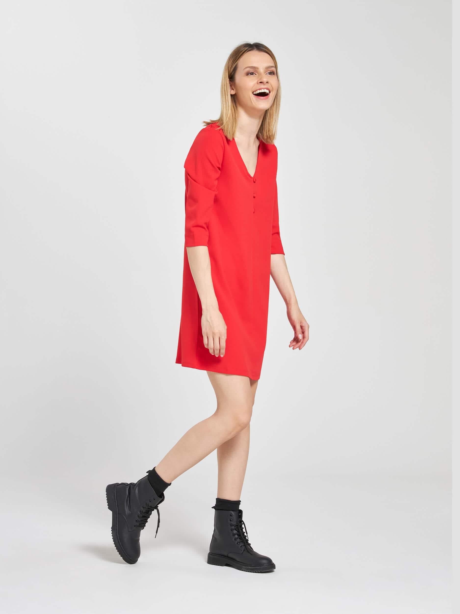 Kleid, A-Form, mit Knöpfen Rot